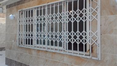 حفاظ پنجره آکاردئونی
