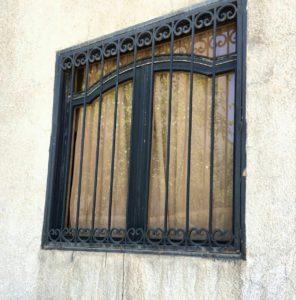 حفاظ پنجره نرده ای