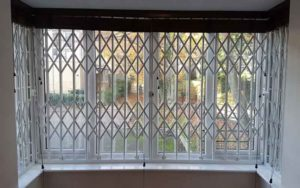 نرده حفاظ پنجره ریلی